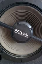 "Integral Close Miking for 10"" Speakers"